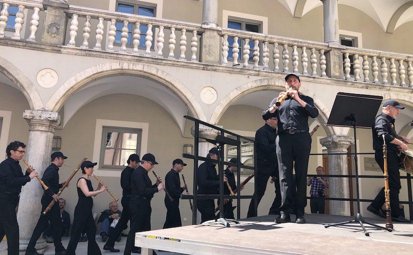 Over klokgebeier en blazers in Regensburg